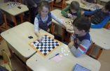 Šaškių turnyras 1 klasėje